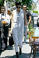 kendall jenner grabs lunch wiith scott disick holiday weekend 13