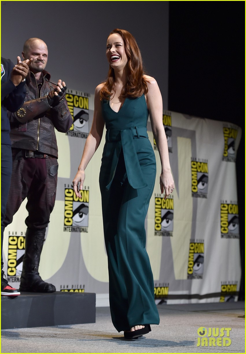brie larson joins the women of marvel for epic comic con pic 053715739
