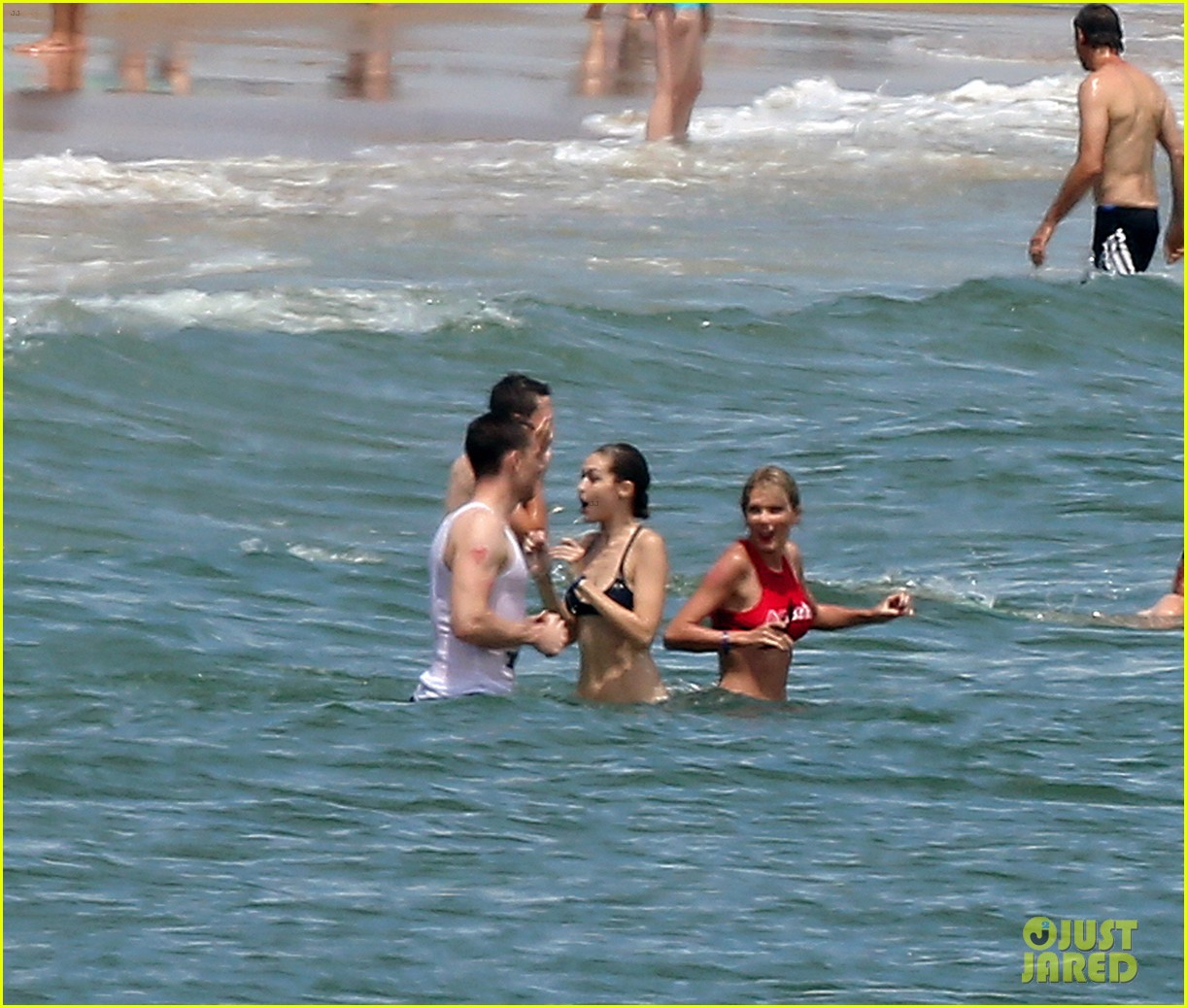 Pregnant Blake Lively Bares Baby Bump in a Bikini with ...