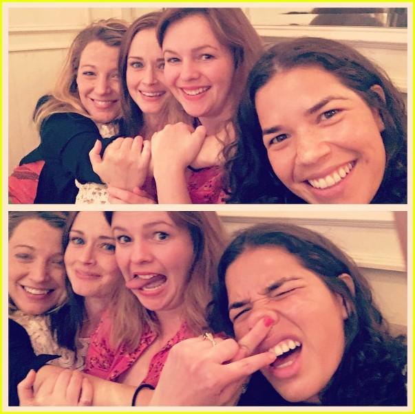 sisterhood of traveling pants cast reunites for fun photo 013701805