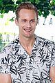 alexander skarsgard smiles away for tarzan photo call in brazil 04