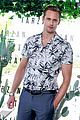 alexander skarsgard smiles away for tarzan photo call in brazil 06