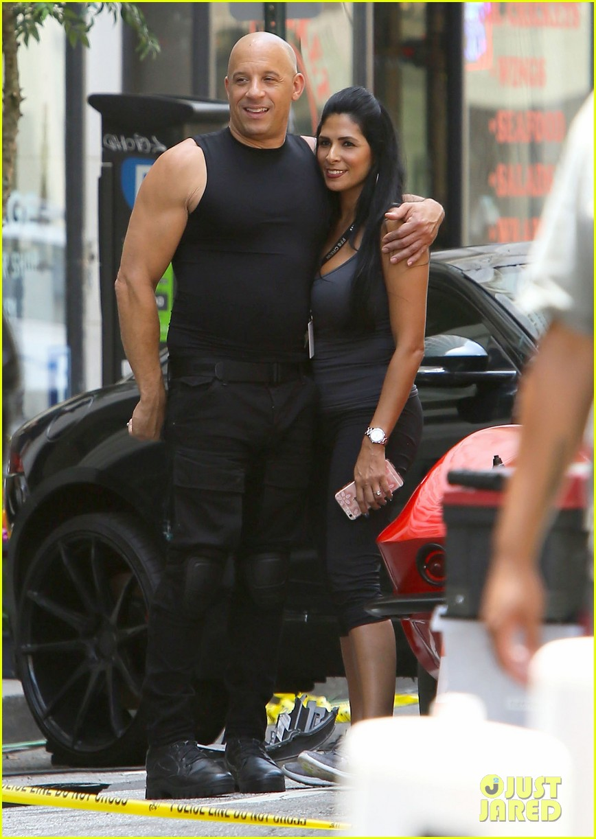 vin diesel flexes his muscles on 39 fast 8 39 set photo 3706288 fast and furious vin diesel. Black Bedroom Furniture Sets. Home Design Ideas