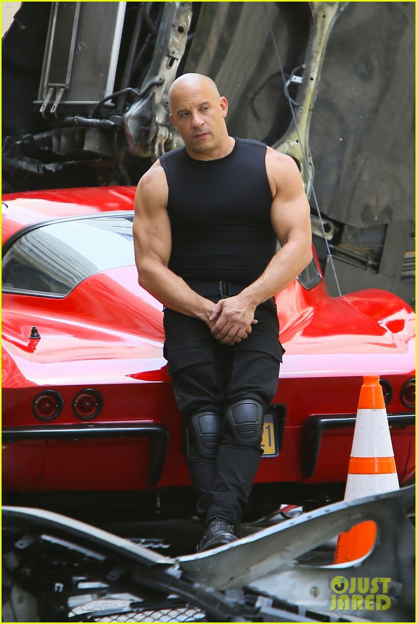 vin diesel flexes his muscles on 39 fast 8 39 set photo 3706289 fast and furious vin diesel. Black Bedroom Furniture Sets. Home Design Ideas