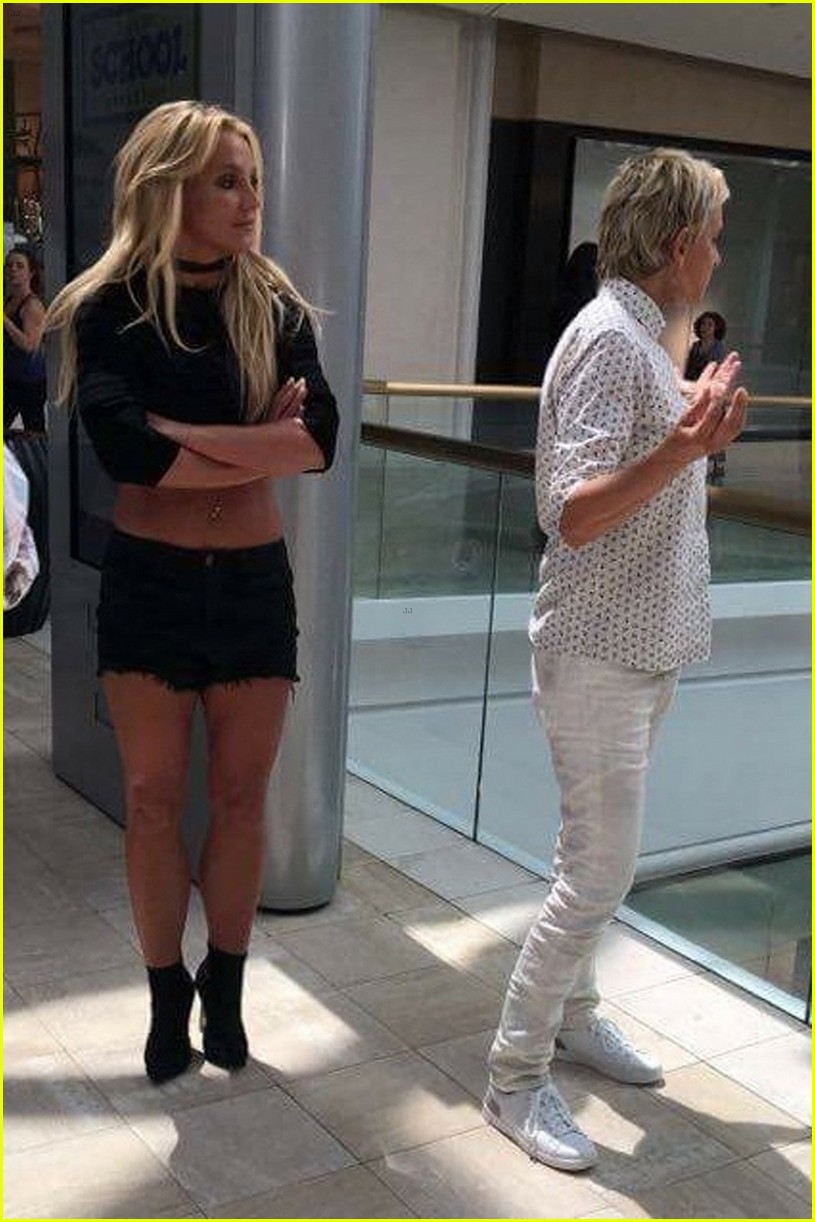 Britney Spears Hits The Mall With Ellen Degeneres Photo