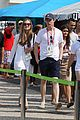 eddie redmayne wife hannah rio beach volleyball 15