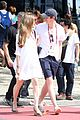 eddie redmayne wife hannah rio beach volleyball 30
