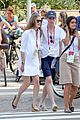 eddie redmayne wife hannah rio beach volleyball 33