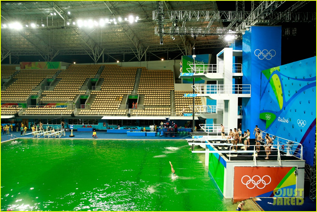 Swimming Pool Water Turned Green : Olympics diving pool water turns green tom daley reacts