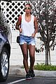 kelly rowland shows off her toned legs in short shorts00408