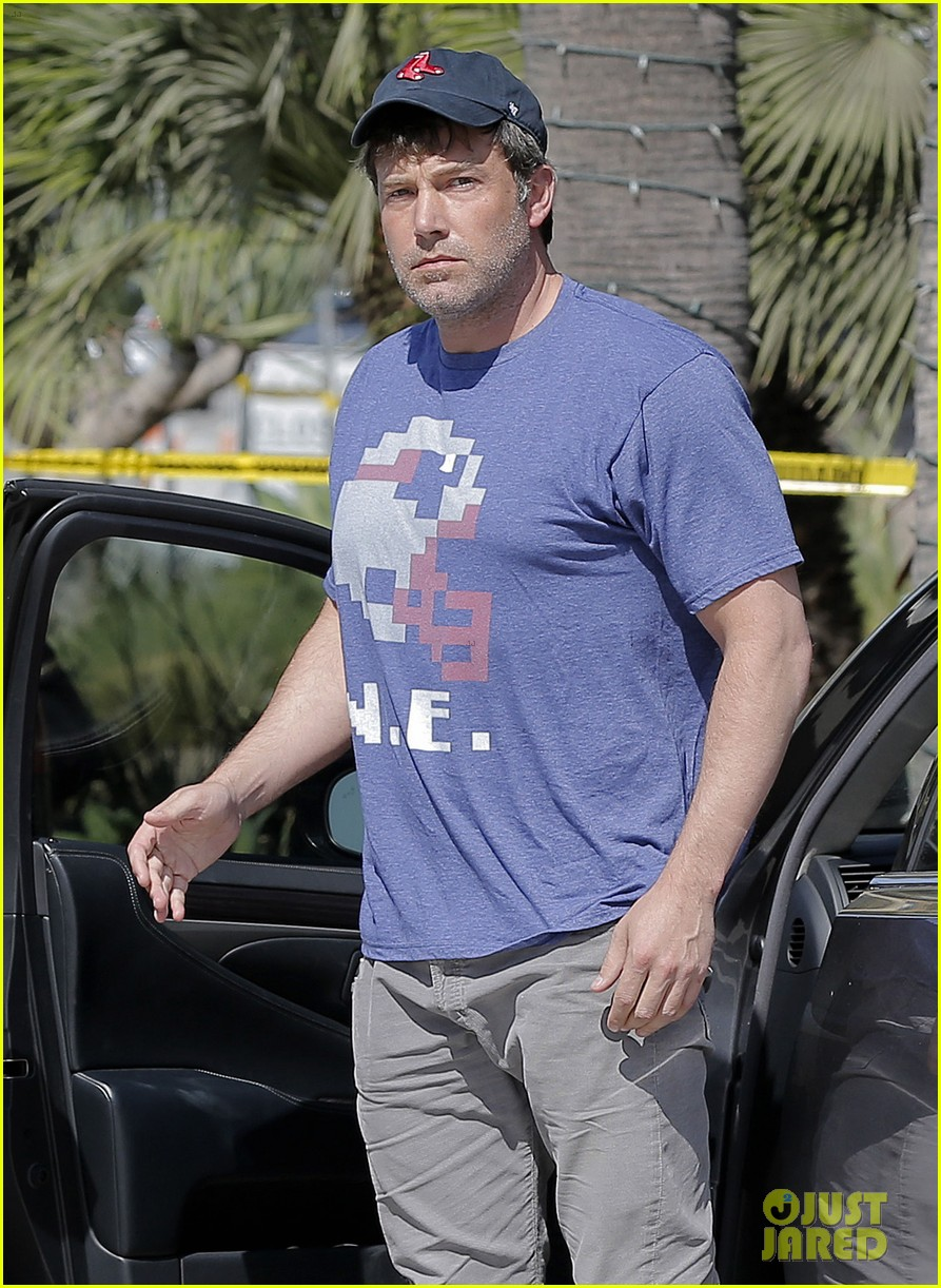 Rose McGowan Attacks Ben Affleck Over Harvey