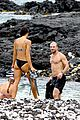 sam hunt goes shirtless in hawaii with girlfriend hannah lee fowler 01