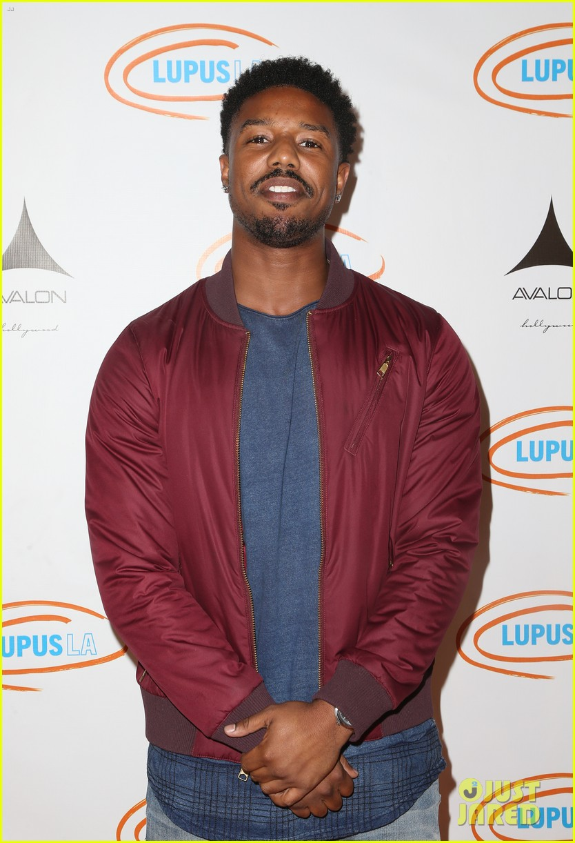 full sized photo of michael b jordan shows off his snapchat filter skills 01 photo 3766970. Black Bedroom Furniture Sets. Home Design Ideas
