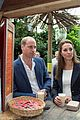 kate middleton looks so chic in 30 pants from the gap 07