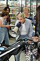 ellen degeneres takes michelle obama shopping at cvs 03