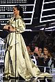 rihanna thanks drake for vmas speech 08