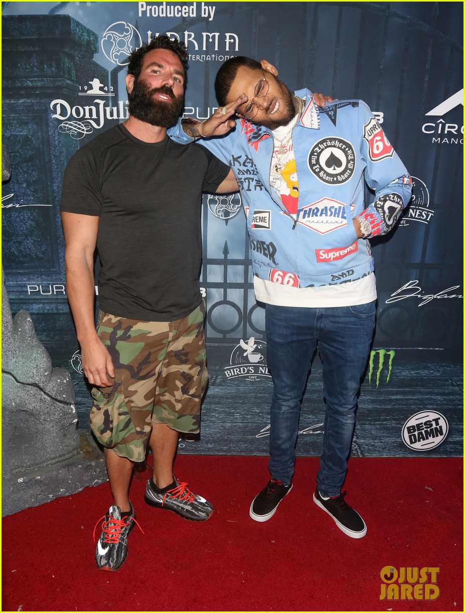 chris brown maxim 2016 halloween party 083791737