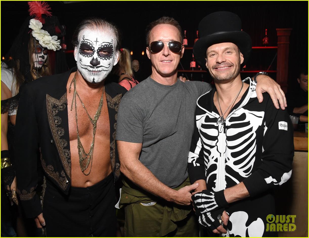 hilary duff boyfriend jason walsh casamigos halloween party 133796543