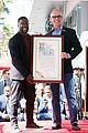 kevin hart gets support from family halle berry at walk of fame ceremony 03