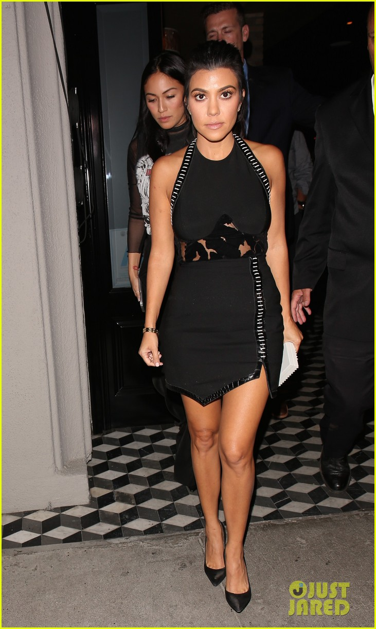 kourtney kardashian kris jenner manuka party 103789482