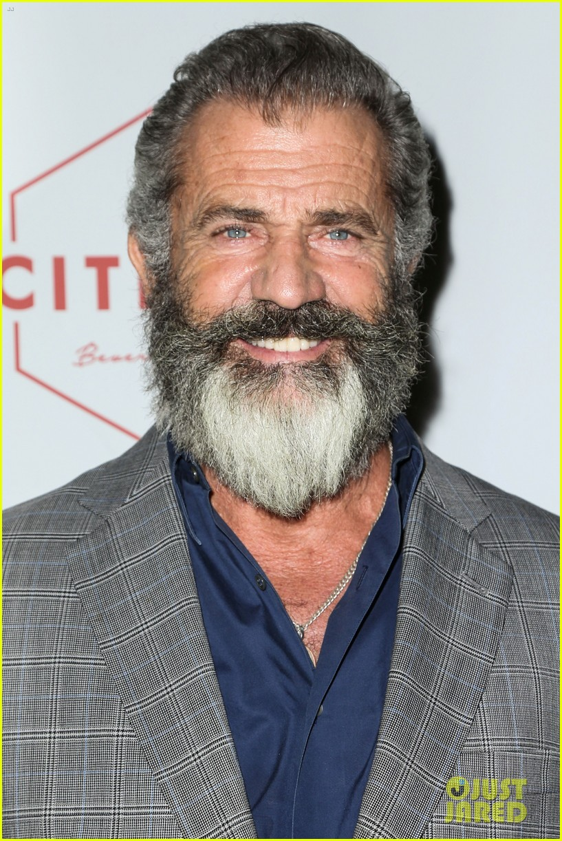 mel gibson pregnant girlfriend rosalind ross poke tournament 023790953