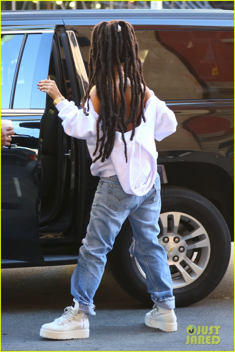 Rihanna Continues Rocking Her New Dreadlocks Photo