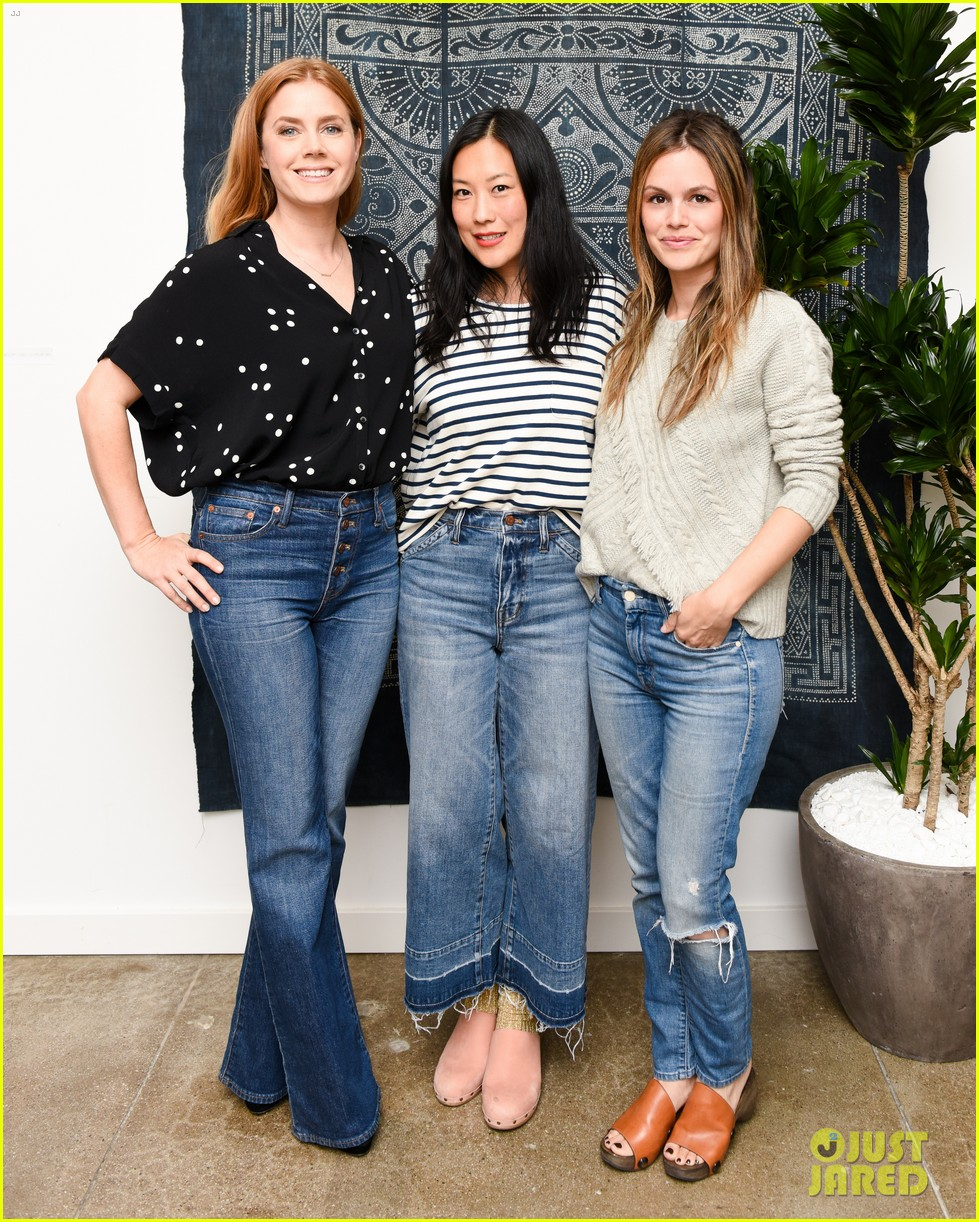 amy adams kristen bell more step oout to support madewells holiday pop up event 013809646