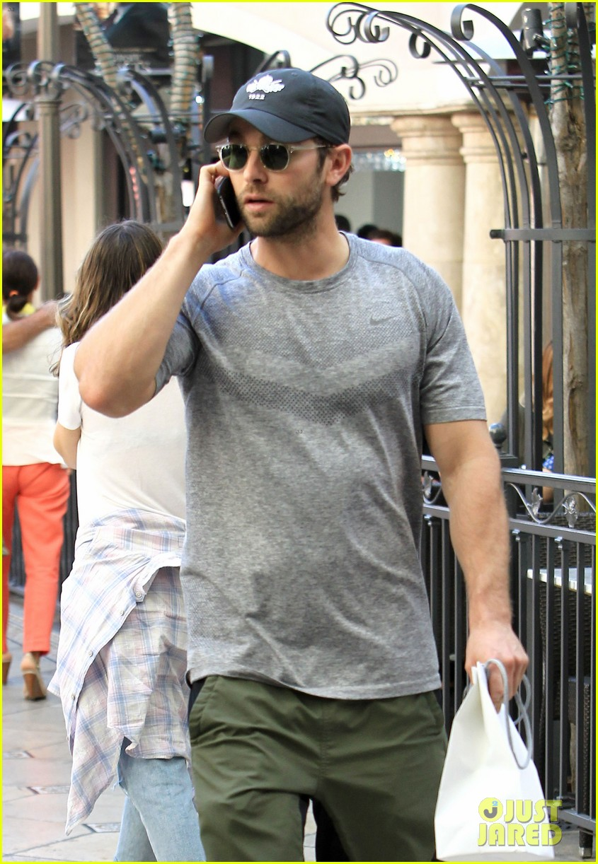 About Photo #3804013: Chace Crawford chats on his phone while walking back to the parking garage on Friday (November 4) at The Grove in Los Angeles. The 31-year-old former Gossip Girl… Read More Here