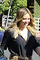 hilary duff and jason walsh share a kiss during their lunch date 02