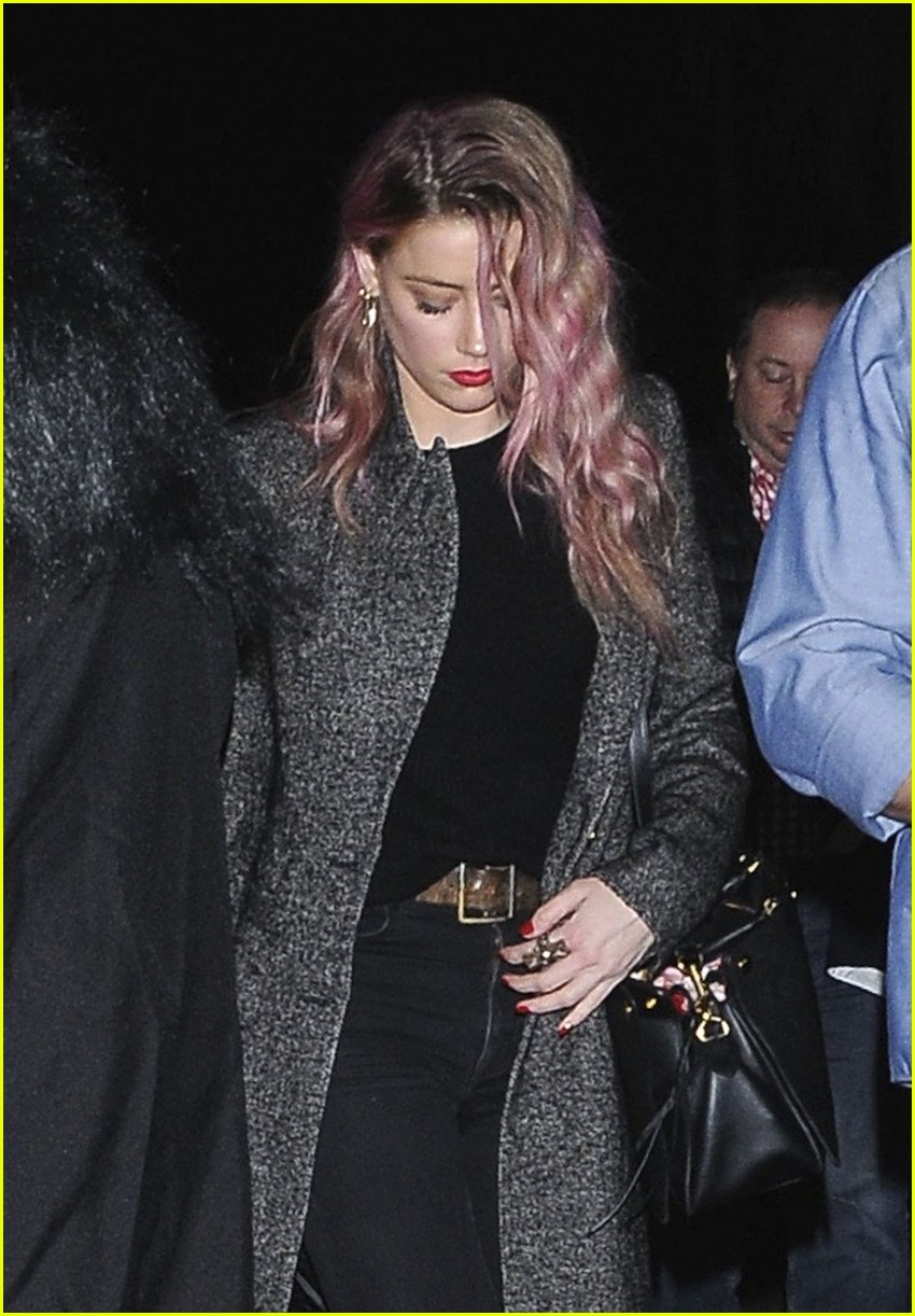 Amber Heard Shows Off New Pink Hair on Halloween: Photo 3799188 ...