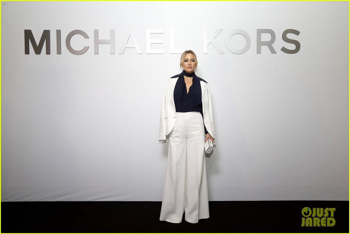 kate hudson michael kors toast to opening of mandarin gallery flagship opening 043809830