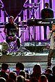 maroon 5 kendrick lamar american music awards 2016 04