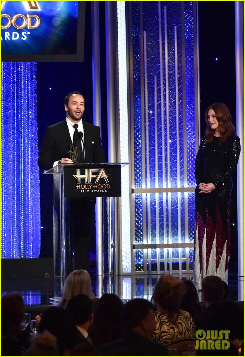 Fashion designer tom ford at the hollywood something or other awards - Julianne Moore Presents To Tom Ford At Hollywood Film Awards 2016 Photo 3803750 2016 Hollywood Film Awards Hollywood Film Awards Julianne Moore