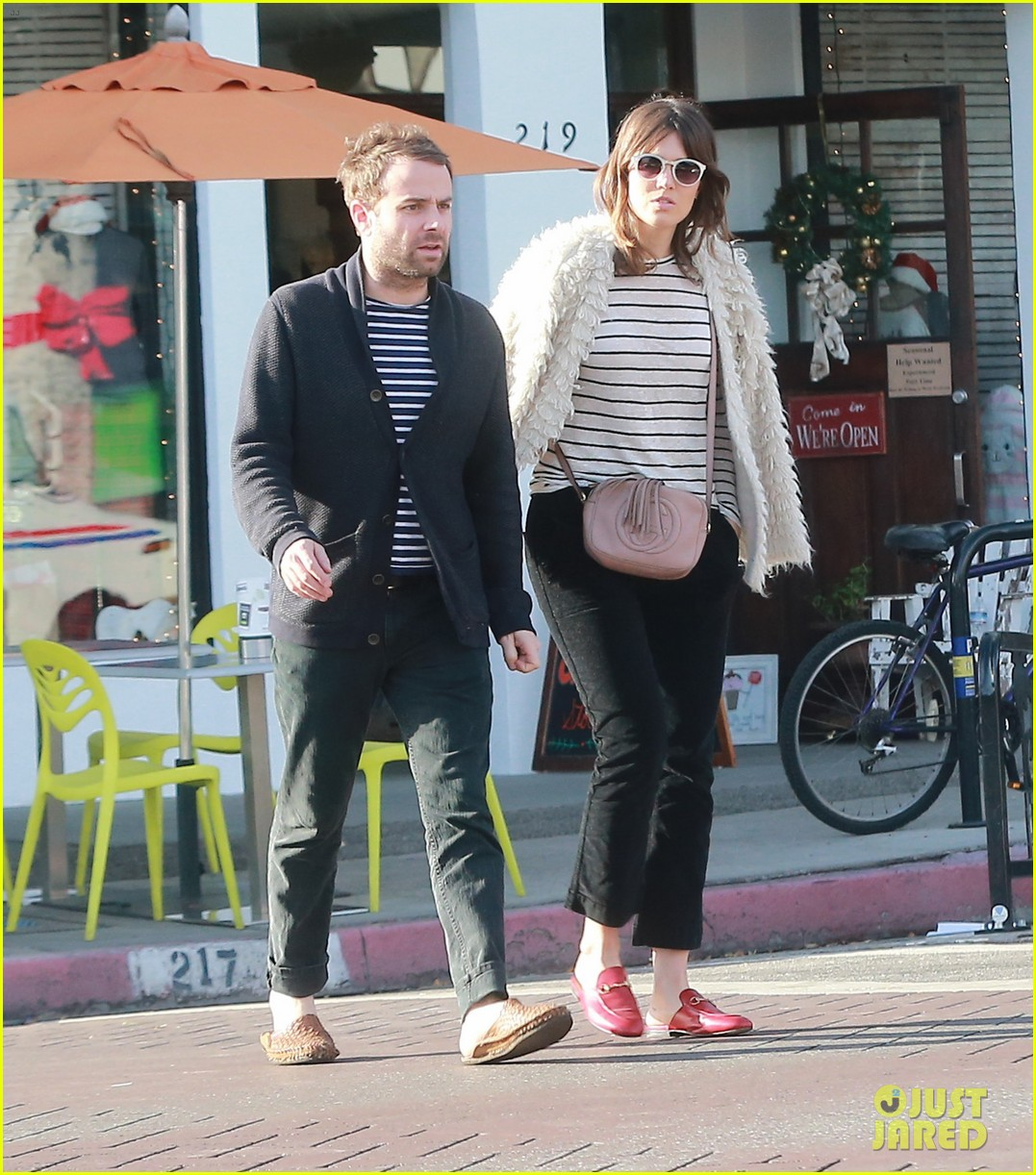 Full Sized Photo of mandy moore boyfriend taylor goldsmith ...