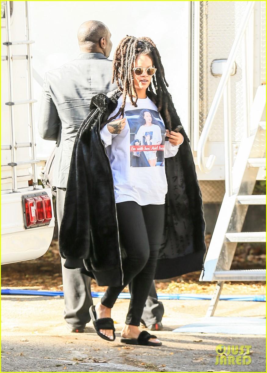 rihanna wears photo of herself wearing hillary clinton shirt 053804608