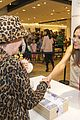 jessica alba honest company meet greet hawaii 01