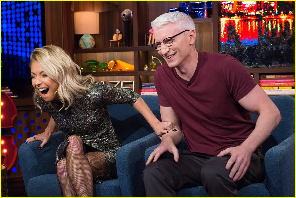 anderson cooper reveals why he never dated andy cohen 083819210