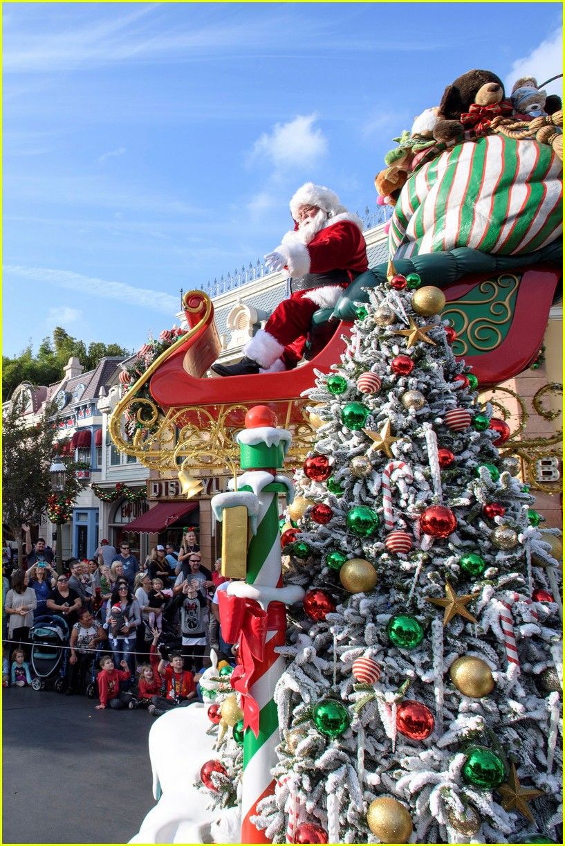 Disney Christmas Special 2016 - Full Performers List: Photo ...