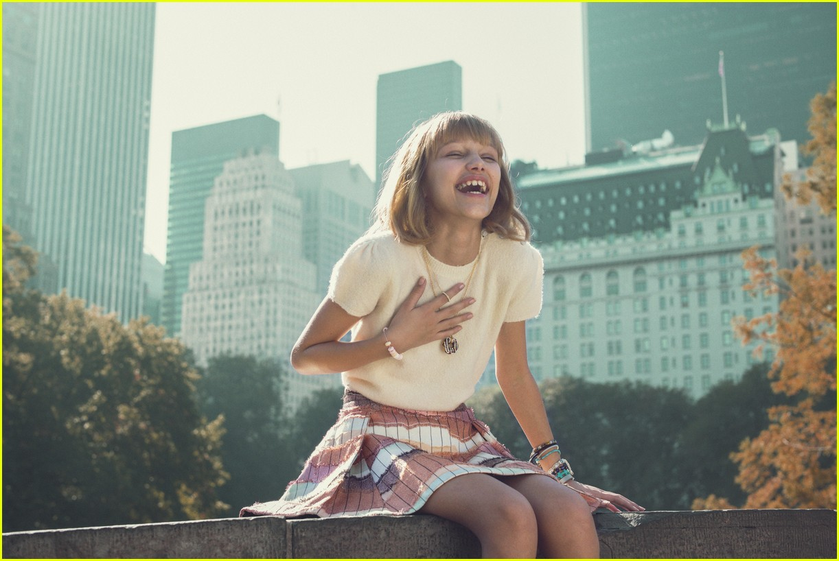 grace vanderwaal beautiful thing lyric video 043830848