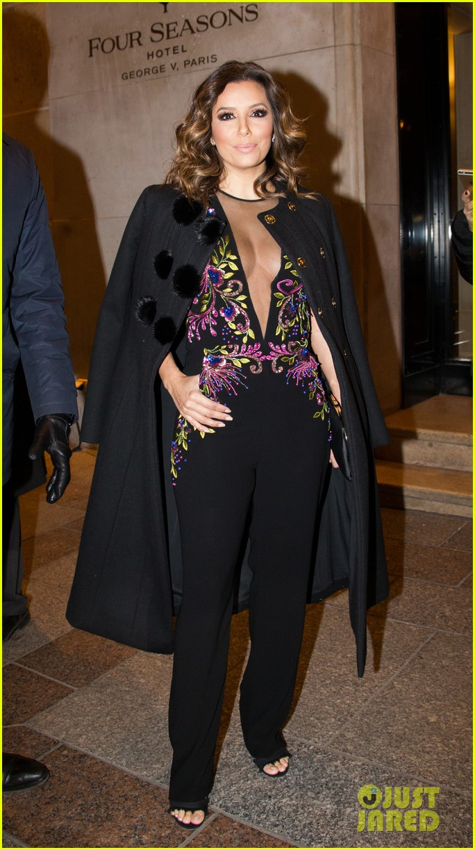 About Photo #3829718: Eva Longoria looked so stunning for her girls night out in Paris last night! The 41-year-old actress and businesswoman stepped out with models Doutzen Kroes and… Read More Here