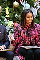michelle obama and ryan seacrest read christmas classics at childrens hospital 02