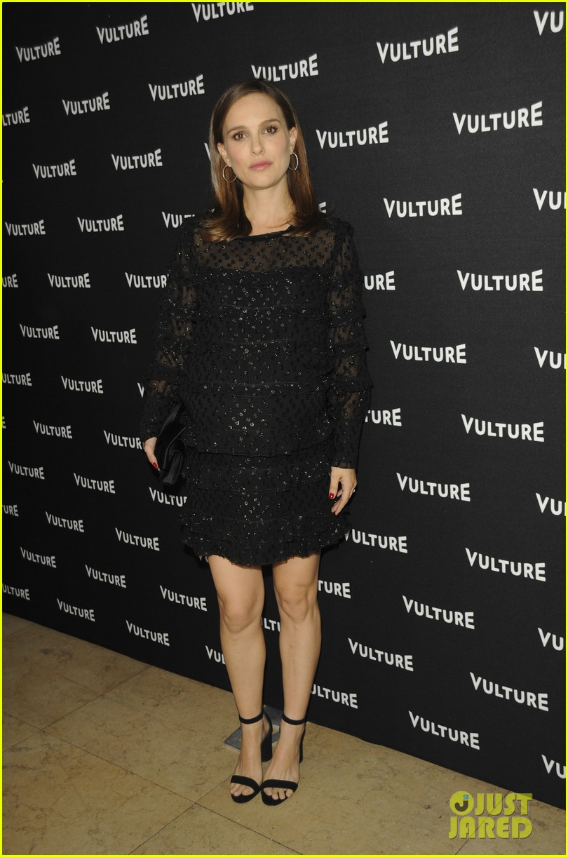 natalie portman stars in noir style virtual reality for nyts great performers 023824415