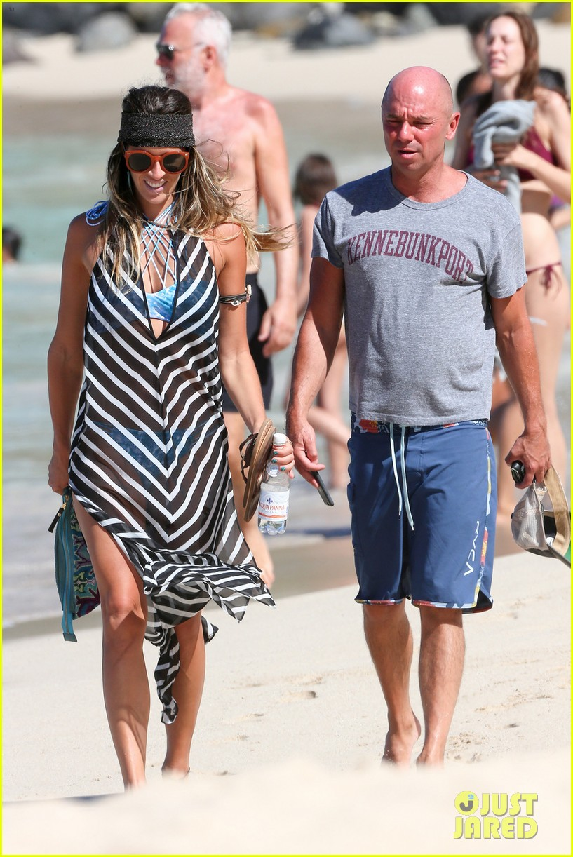 Kenny chesney hits the beach in st barts before the new year photo kenny chesney hits the beach in st barts before the new year photo 3835121 kenny chesney pictures just jared m4hsunfo