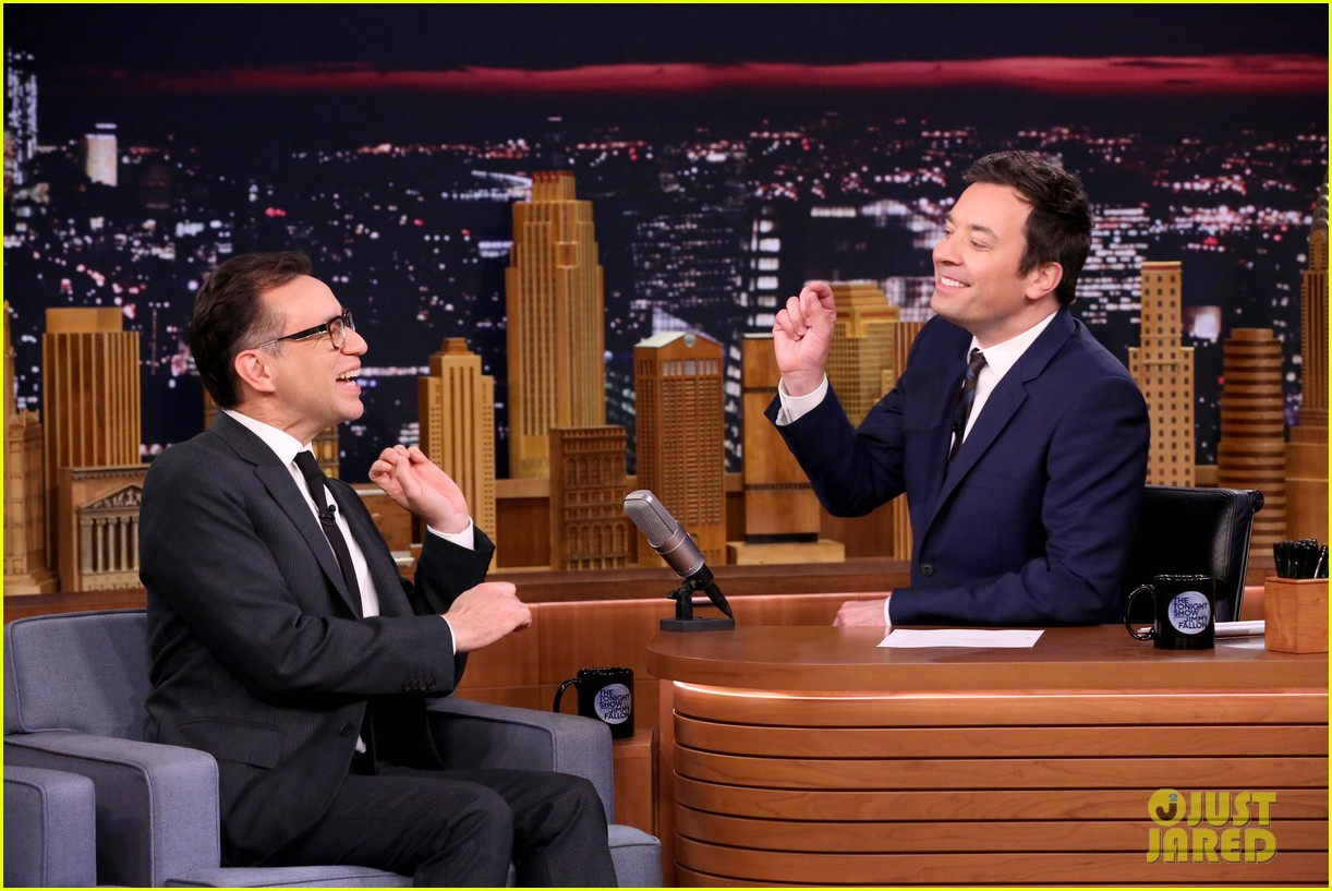 jimmy fallon plays humannequins with queen latifah wayne coyne fred armisen 033841197