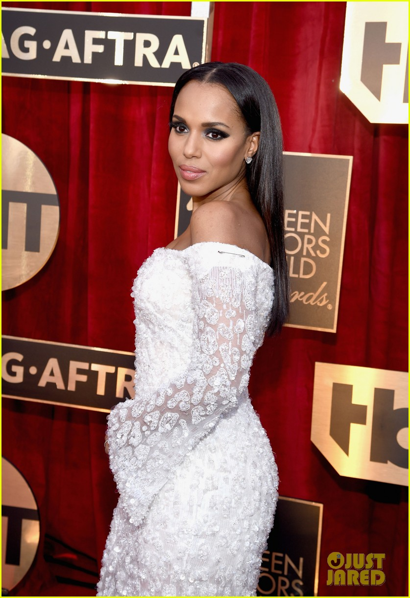 6c94ceb64b Kerry Washington Makes Political Statement on the SAG Awards 2017 Red Carpet   Photo 3849747