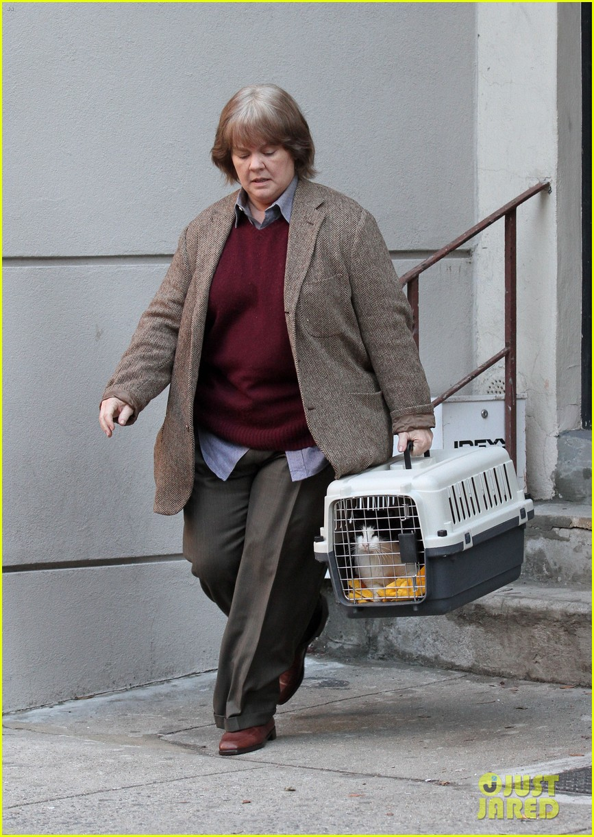 Melissa Mccarthy Sports Gray Wig For Can You Ever Forgive