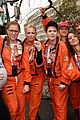 amy schumer dresses as an astronaut at womens march joins jessica chastain and more 03