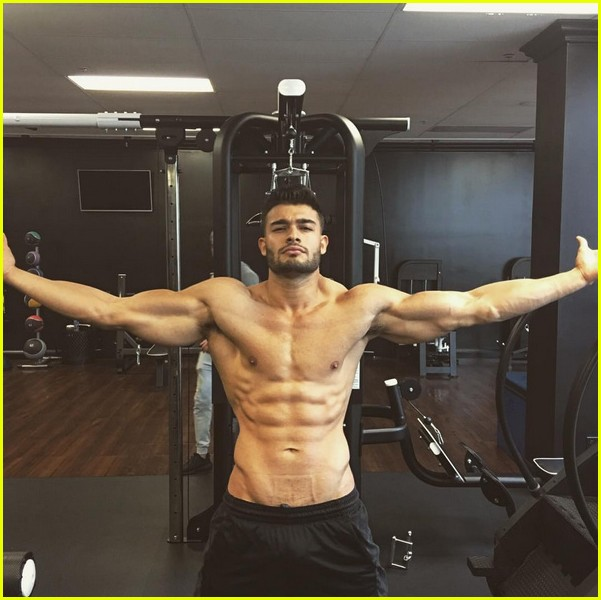 britney spears says she has mad love for sam asghari 023842509