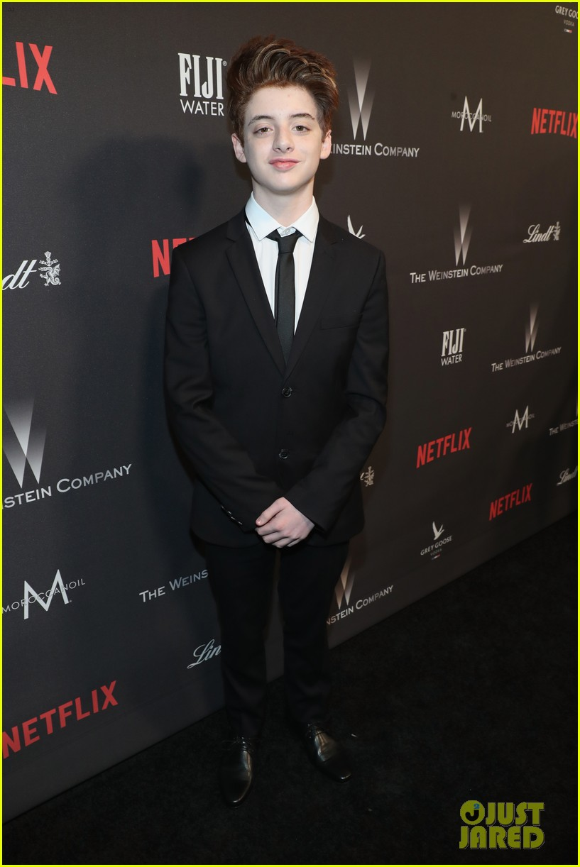 stranger things party netflix 2017 globes 143839973