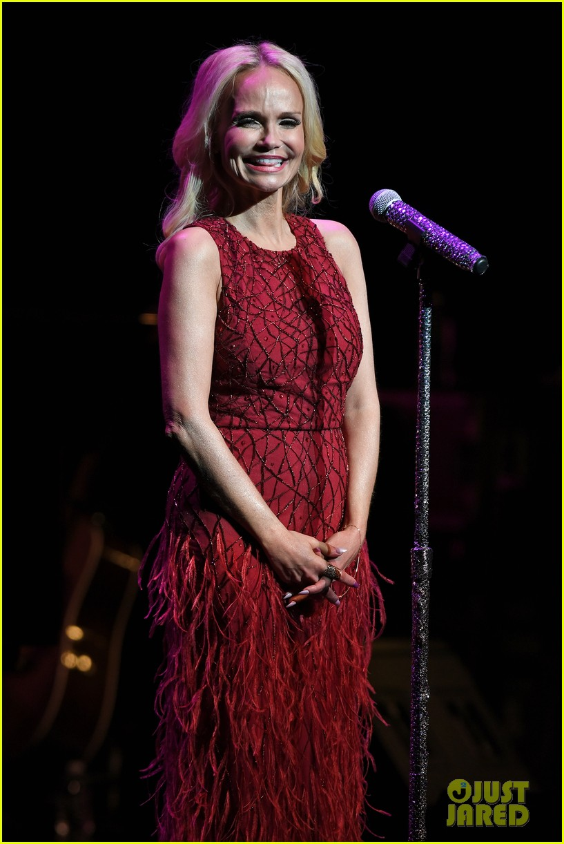 kristin chenoweth hits the stage for intimate valentines day concert 033860677